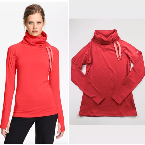 1c96f072a Nike Pro Hyperwarm Long Sleeve Pullover Coral Pink.  M_5a847780a825a6e51c2518c2